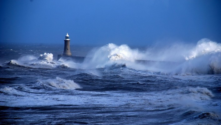 Lighthouses ocean waves wallpaper
