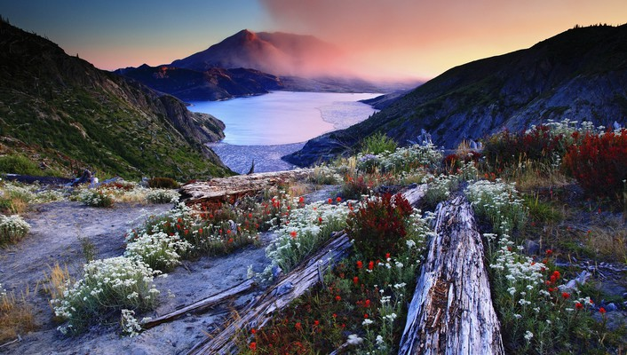 Spring in cold mountain wallpaper