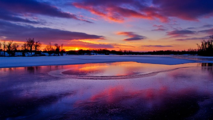 Colors of a winter sunset wallpaper