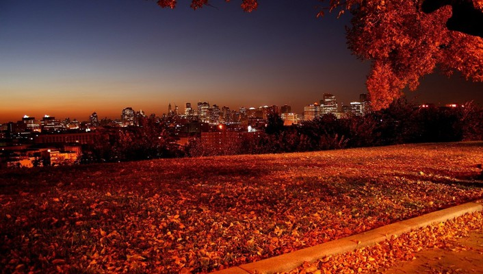 Autumn night picture wallpaper