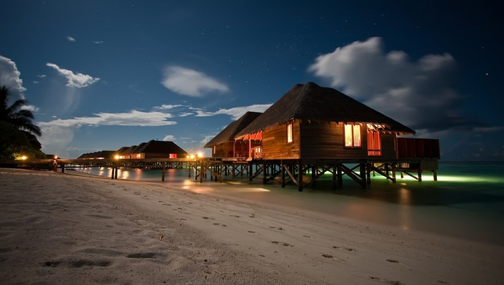 Beach night houses wallpaper