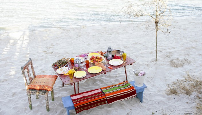 Beach breakfast wallpaper
