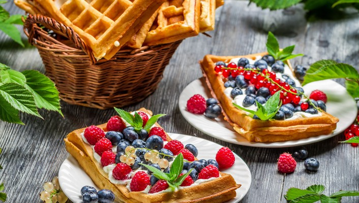 Waffles with fruit wallpaper