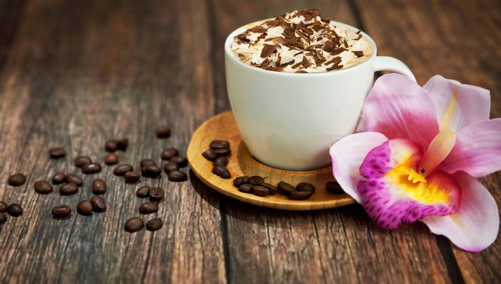 Cappuccino with chocolate wallpaper