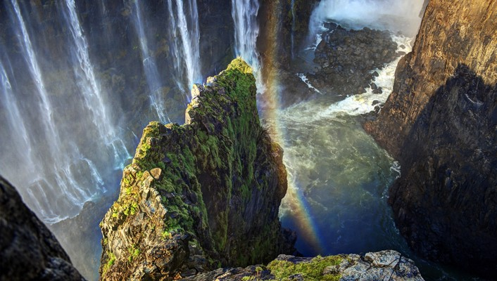 Rainbow over victoria falls wallpaper