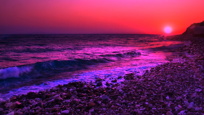 Purple sunset over the sea wallpaper