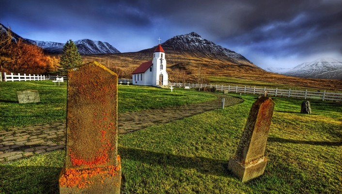 Beautiful country church an cemetery hdr wallpaper