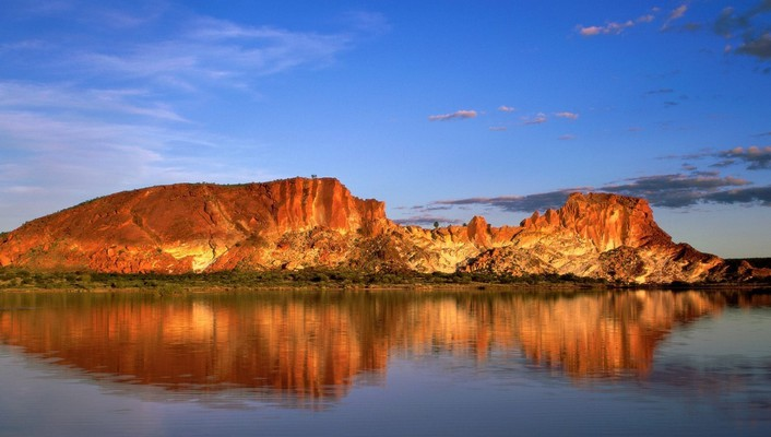 Desert lake in australia wallpaper
