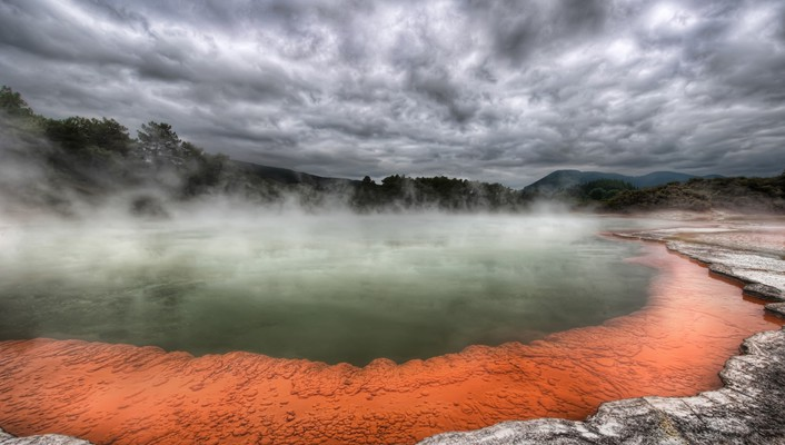 Hot spring in new zealand called champagne pool wallpaper