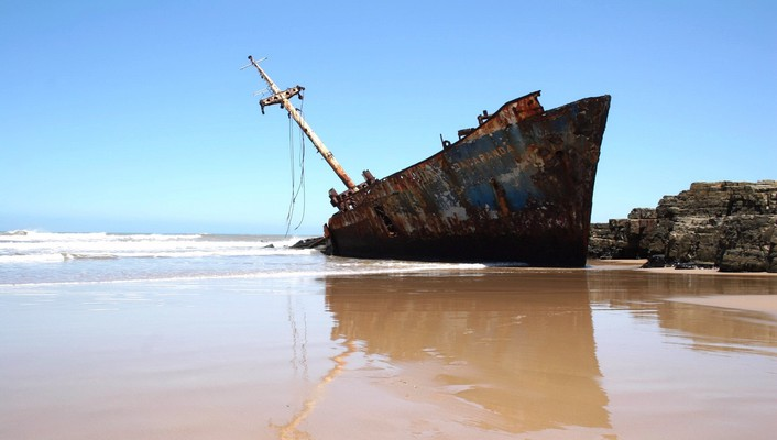 Sand sea ships wrecks wallpaper