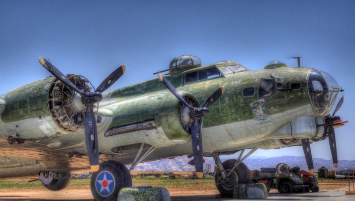 B17 aging on the tarmac hdr wallpaper