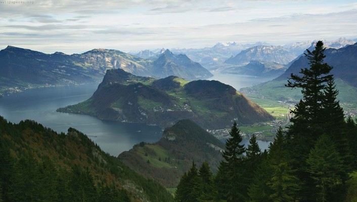 Mountains around lake lucerne switzerland wallpaper