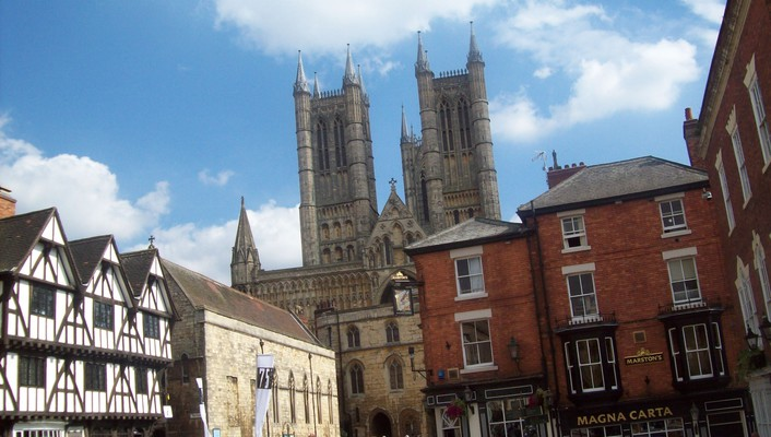Lincoln cathederal wallpaper