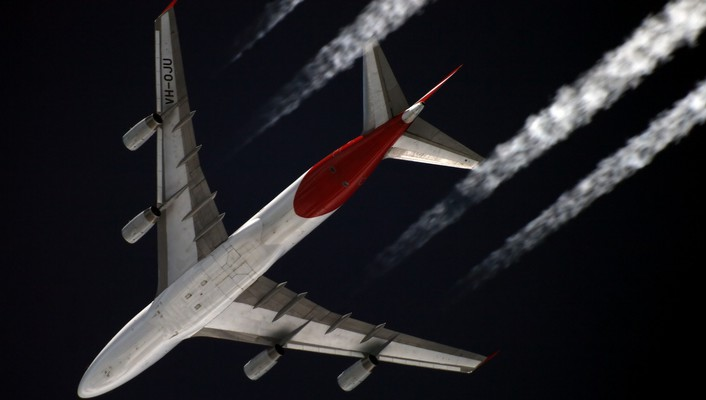 Boeing 747 aircraft airliners contrails wallpaper